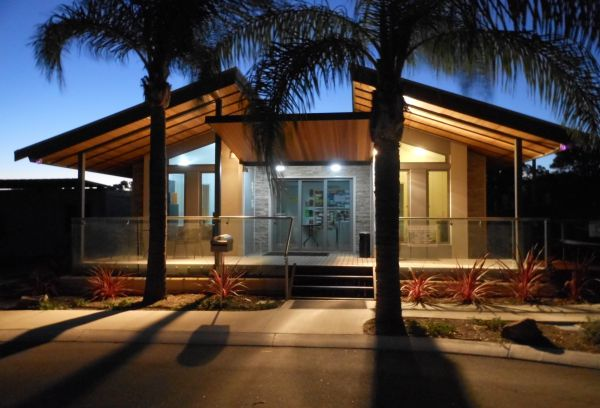 Midland Tourist Park - Accommodation QLD