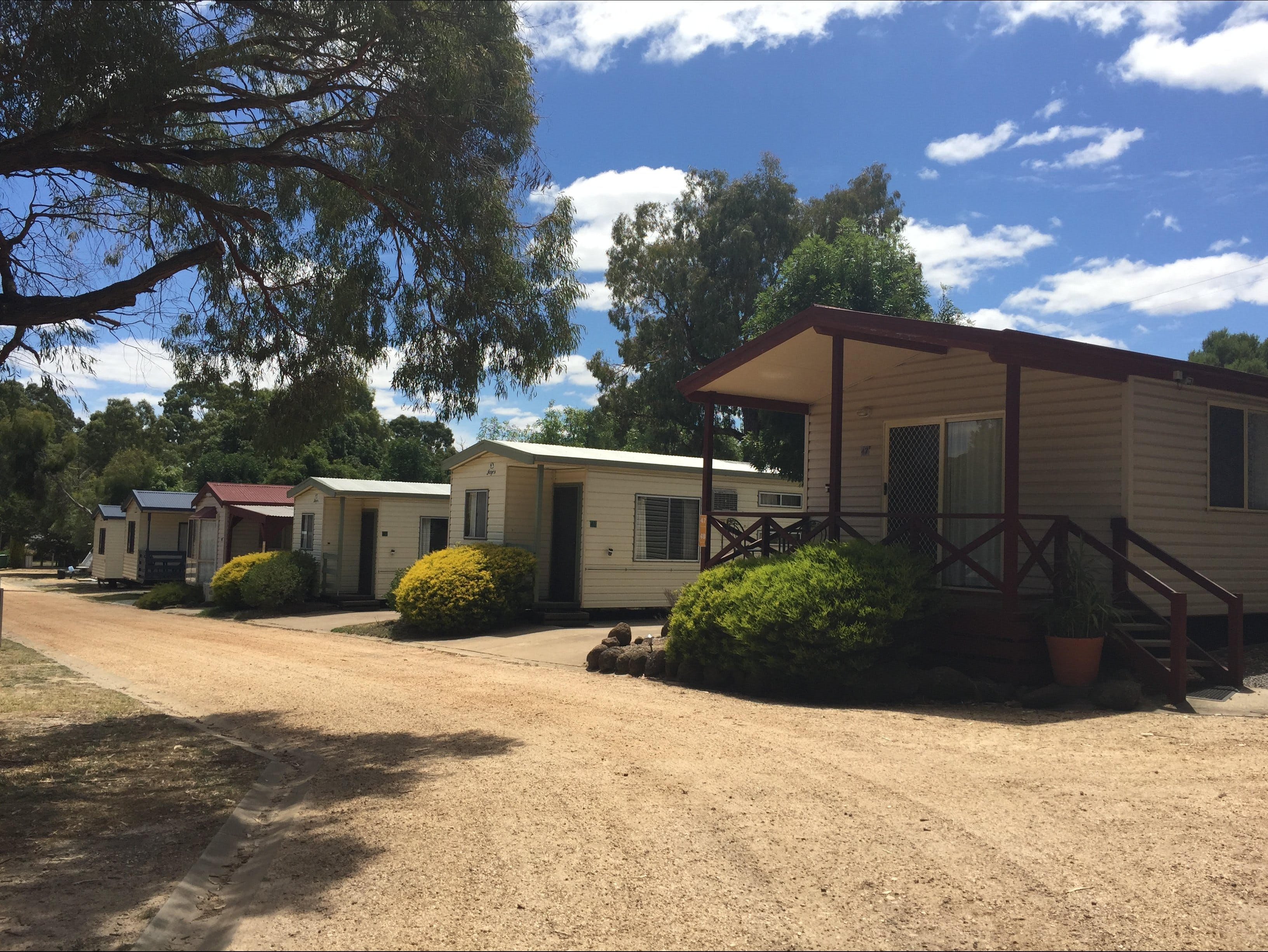 Acacia Caravan Park and Holiday Units - Accommodation QLD