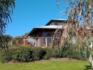 Butler's Bend Holiday Villa - Accommodation QLD