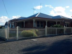 Alby's - Accommodation QLD