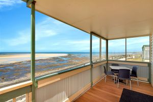 Stansbury Foreshore Caravan Park - Accommodation QLD