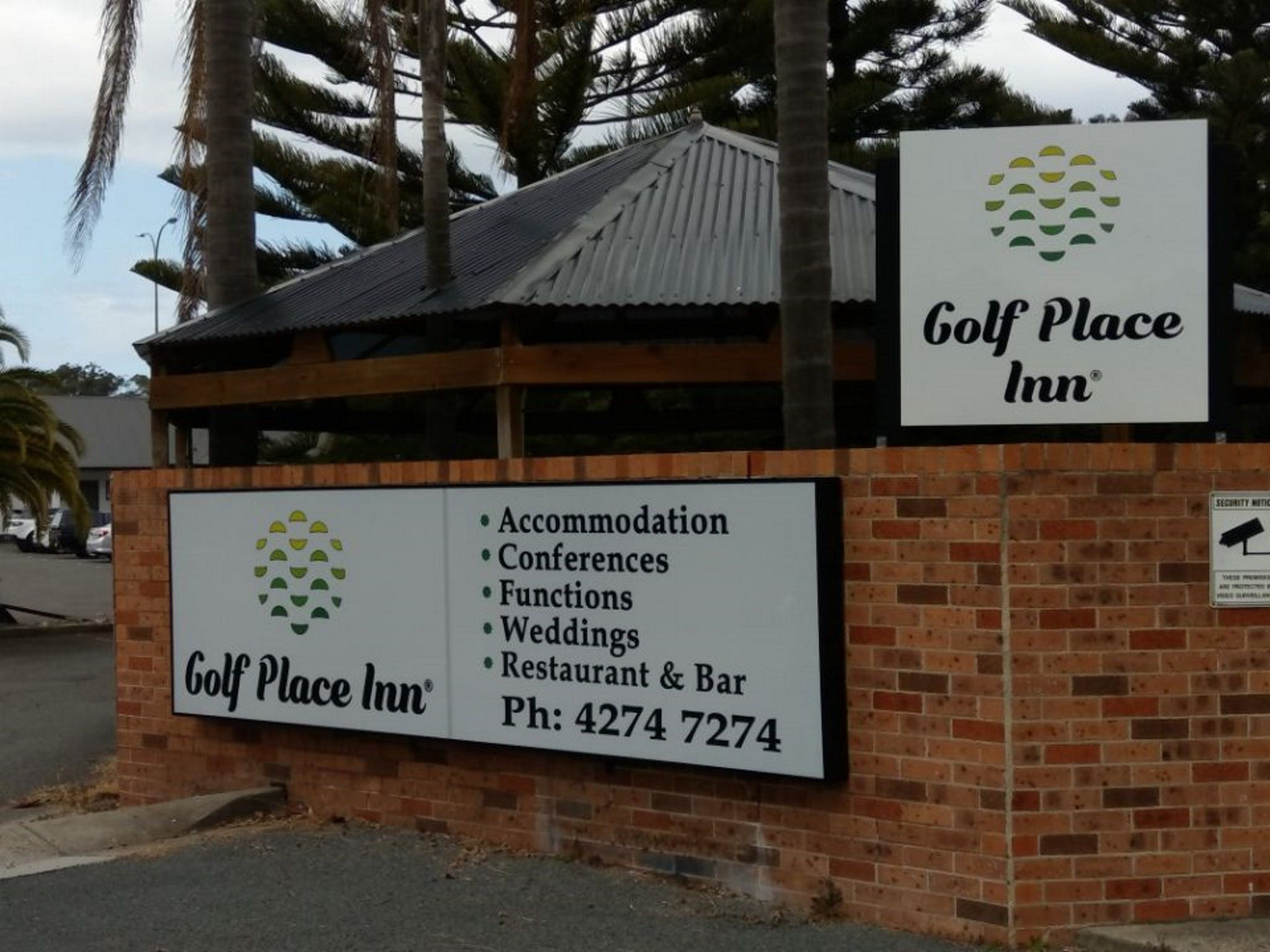 Golf Place Inn - Accommodation QLD