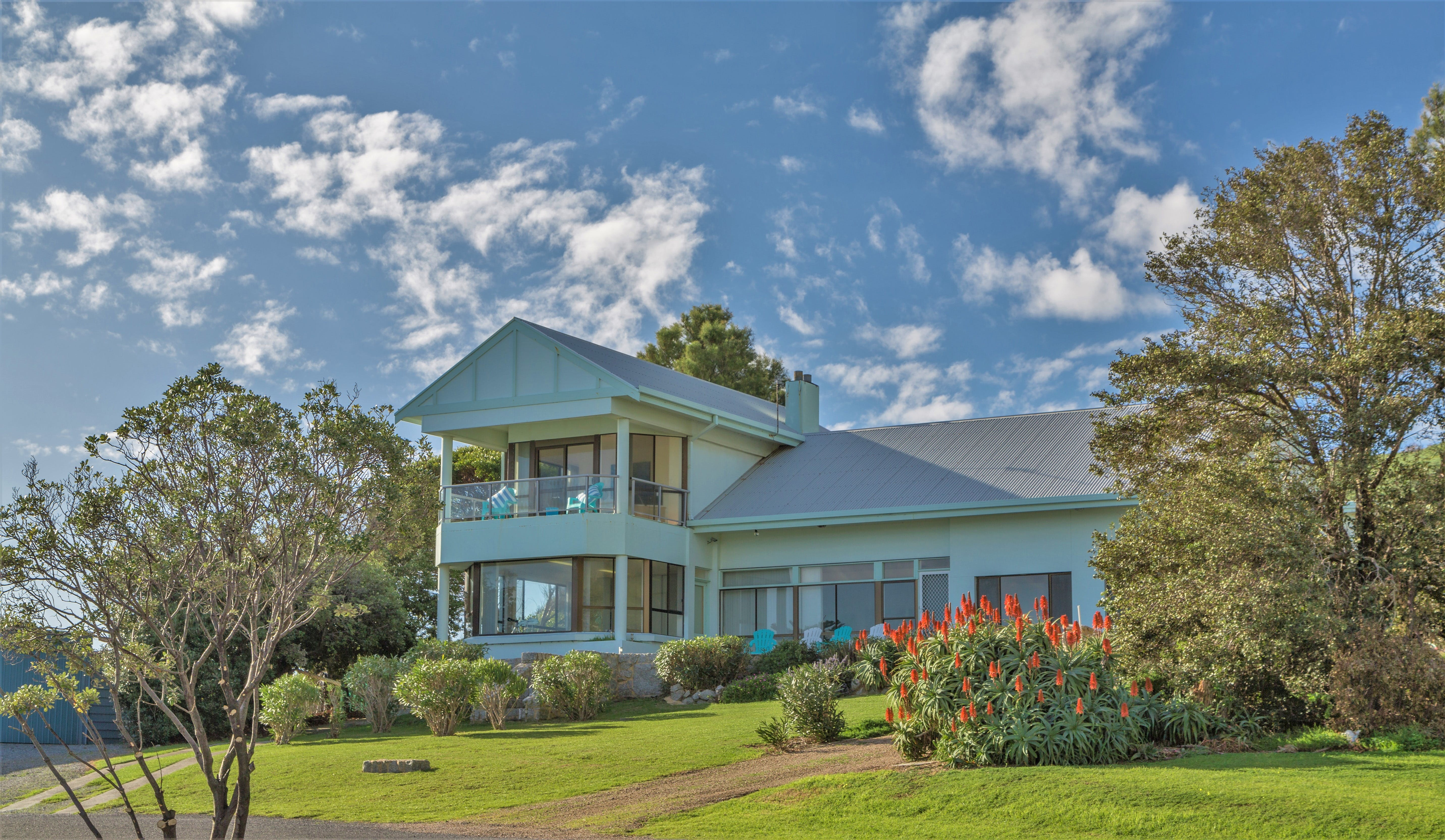 King of North Bay - Accommodation QLD