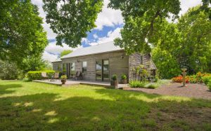 Timboon House  Stables - Accommodation QLD
