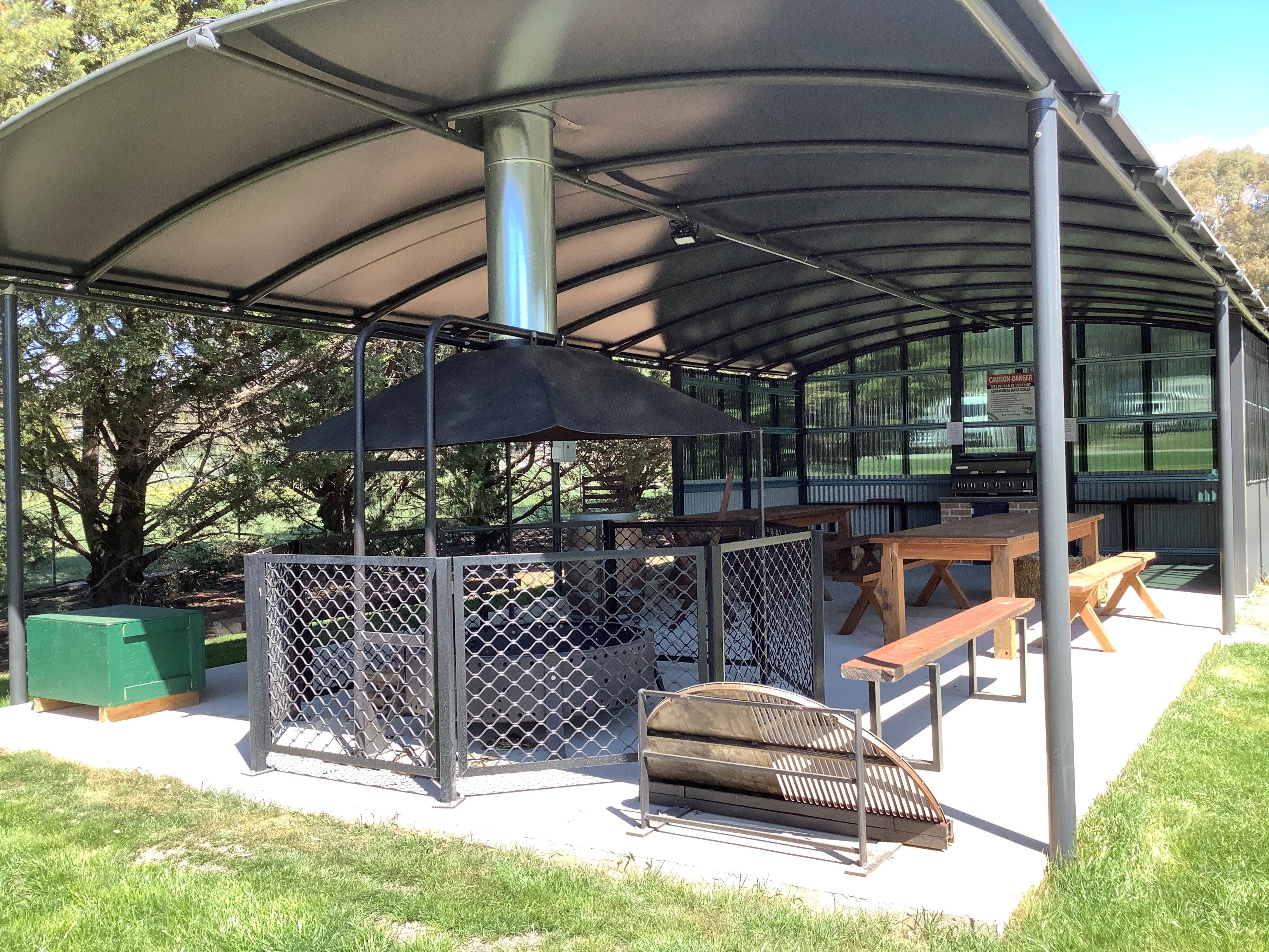 Blayney and Villages Tourist Park - Accommodation QLD