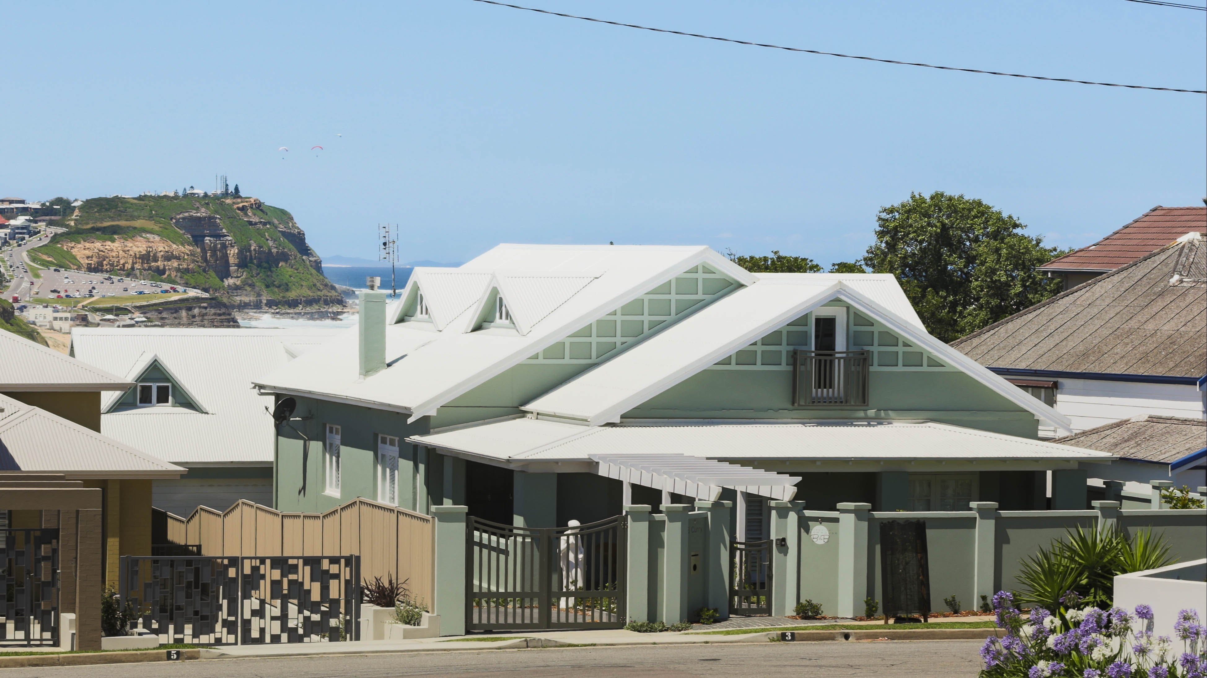 Merewether Beach House B and B - Accommodation QLD