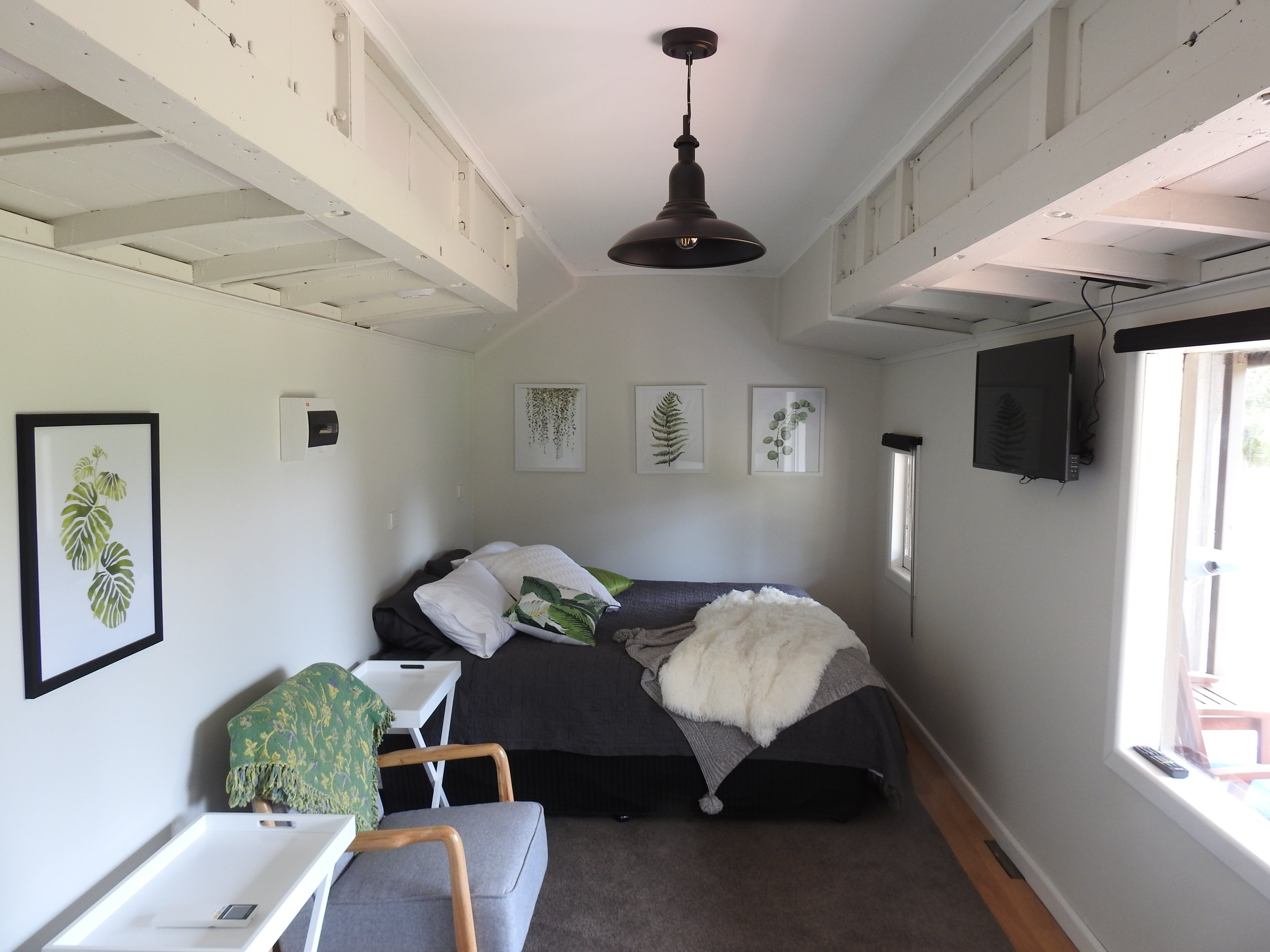 Miners Ridge Vineyard Railway Carriage BB - Accommodation QLD
