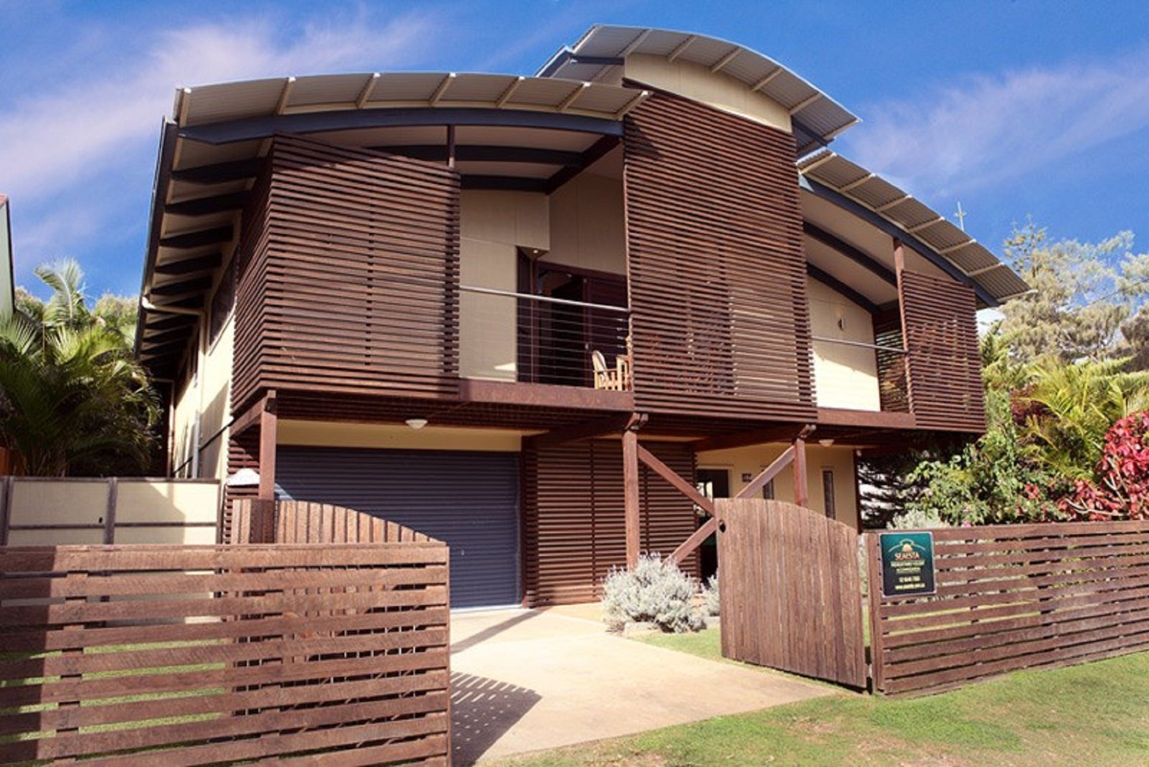 Seaesta Holiday Home - Accommodation QLD