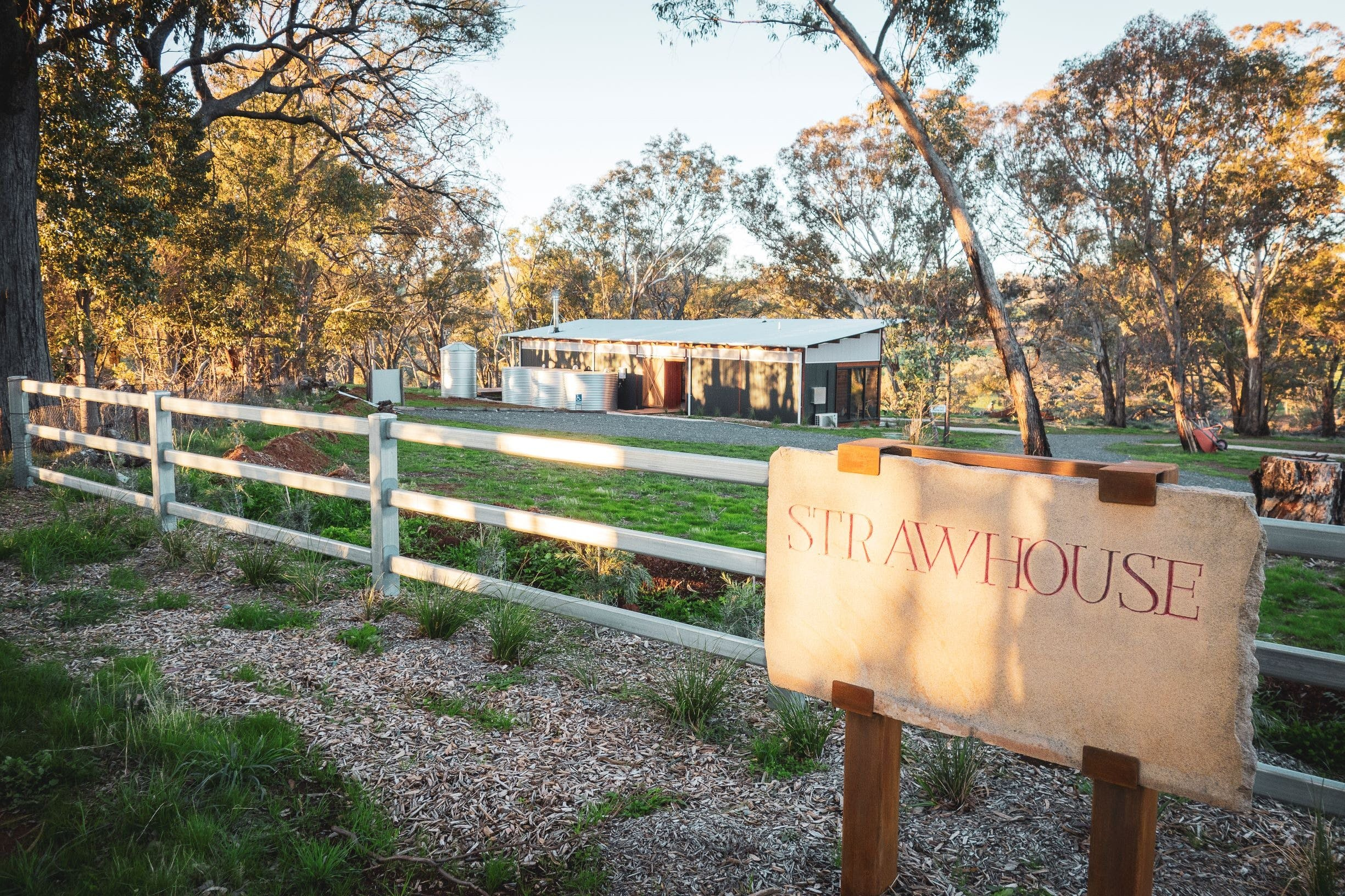Strawhouse - Accommodation QLD