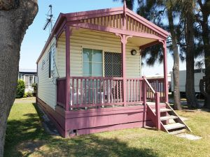 Jettys by the Lake - Accommodation QLD