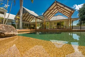 Rockinghorse House - Accommodation QLD
