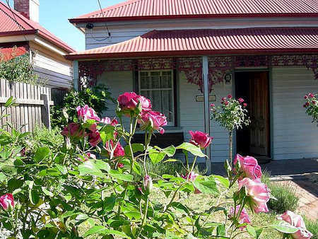 Airleigh - Rose Cottage - Accommodation QLD