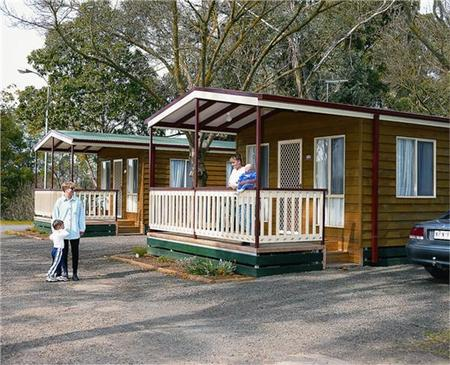 Sale Motor Village - Accommodation QLD