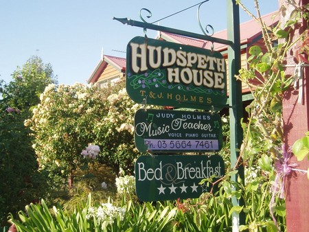Hudspeth House Bed and Breakfast - Accommodation QLD