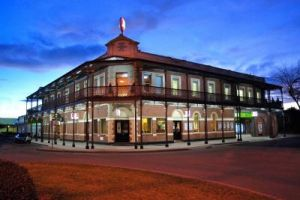 Grand Terminus Hotel - Accommodation QLD