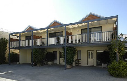 Freo Mews Executive Apartments - Accommodation QLD