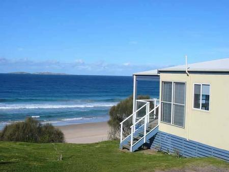 Surfbeach Holiday Park - Accommodation QLD