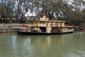 Emmylou Paddle Steamer - Accommodation QLD