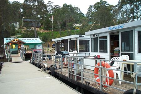 Clyde River Houseboats - Accommodation QLD