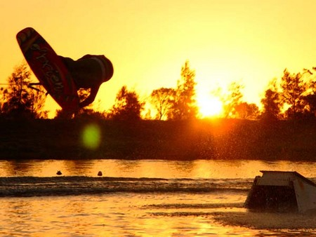 Bonney's WA Water Ski Park - Accommodation QLD
