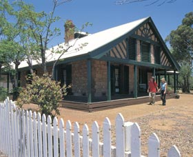 Warden Finnerty's House - Accommodation QLD