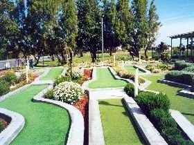 West Beach Mini Golf - Accommodation QLD