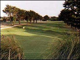 South Lakes Golf Club - Accommodation QLD
