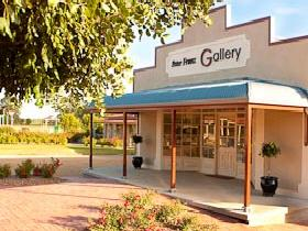 Peter Franz Fine Art Gallery - Accommodation QLD