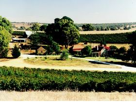 Irvine Wines - Accommodation QLD