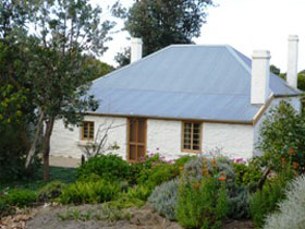 dingley dell cottage - Accommodation QLD