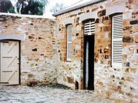 Police Lockup And Stables - Accommodation QLD