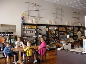 Blond Coffee and Store - Accommodation QLD