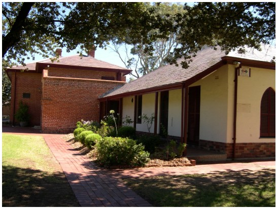 Charles Sturt Museum - Accommodation QLD