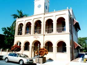 Mackay Town Hall - Accommodation QLD