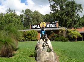 Outback Opal Mine - Accommodation QLD
