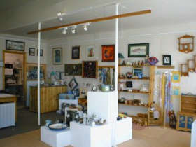 Great Alpine Gallery - Accommodation QLD