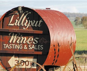 Lilliput Wines - Accommodation QLD