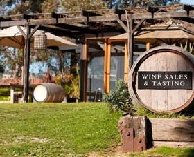 Saint Regis Winery, Food & Wine Bar