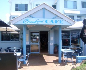 Breakers Cafe and Restaurant - Accommodation QLD
