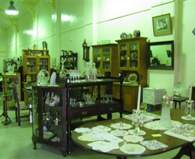 Glenleigh Antiques - Accommodation QLD