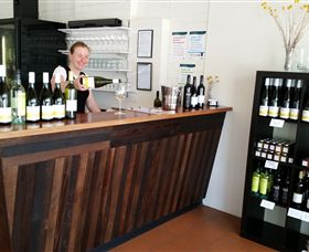Billy Button Wines - Accommodation QLD