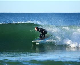 Surfaris Surf Camp - Accommodation QLD