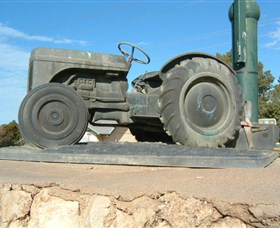 Ferguson Tractor Monument - Accommodation QLD