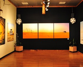 John Murray Art Gallery - Accommodation QLD