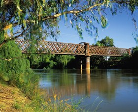 Narrandera Rail Bridge - Accommodation QLD