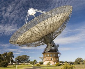 CSIRO Parkes Radio Telescope - Accommodation QLD