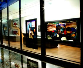 National Art Glass Collection - Accommodation QLD
