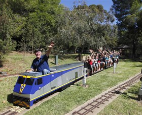 Willans Hill Miniature Railway - Accommodation QLD