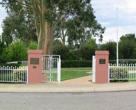 Japanese and Australian War Cemeteries - Accommodation QLD
