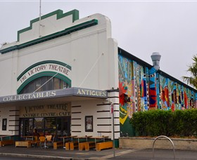The Victory Theatre Antique Centre - Accommodation QLD